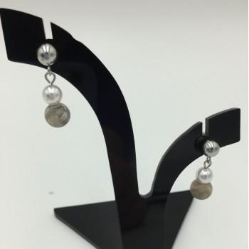 Pearl earrings - April