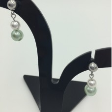 Pearl earrings - May